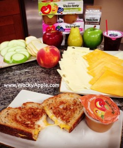 Wacky_Apple_Grilled_Cheese_and_Applesauce1